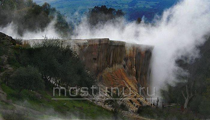Застывшие водопады Хаммам Мескутин